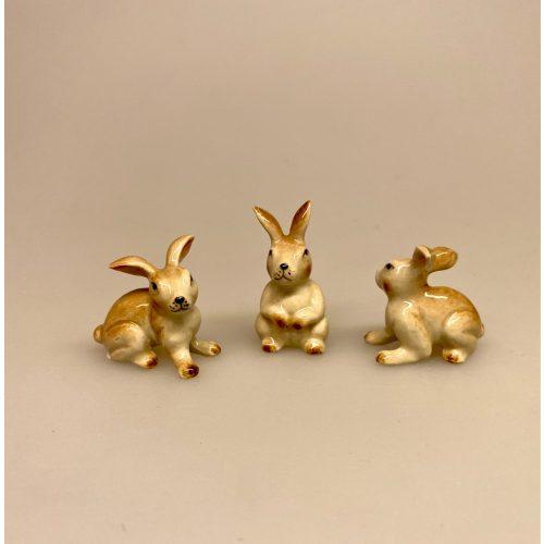 Hare figur porcelæn, porcelænsdyr, porcelænsfigur, dyr, dyrefigur, små, porcelænshare, kanin, påskehare, håndlavede, dyr, af porcelæn, harer, biti, ribe, sætterkasse, sætterkassen, sættekasse, amagerhylde, sangskjuler, skovens dyr, skovtema, stilleben, sætterkassefigur, sættekassefigurer,