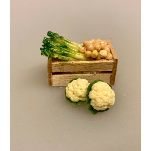 Miniature Blomkålshoved, blomkål, kål, kålhoved, blomkålshoved, grøntsager, køkkenhave, grønt, miniature, dukkehus, ting, tilbehør, nisser, sættekasse, symbolsk gave, gavekrot, færdiguddannet, gartner, grønne fingre, have, havearbejde, planteskole, biti, ribe, 1:12