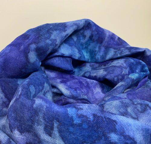 Tørklæde Let Vævet uld - Djian Koloreret Blå-lilla, koboltblå, coboltblå, kongeblå, kornblomstblå, skillablå, violblå, violet, stola, sjal, tørklæde, uldent, tyndt, lunt, let, uld, silke, batik, koloreret, ensfarvet, elegant, lækkert, blødt, kradser ikke, gaveide, klædeligt, smukt, kvalitet, biti, ribe
