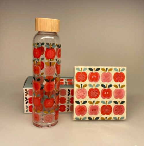 Drikkeflaske - Glas med Røde Æbler, vintage, apples, røde, æbler, glasflaske, vandflaske, drikkeflaske, drikkedunk, biti, ribe, æblemotiv, glas, frisk, flot, lækker, delikat