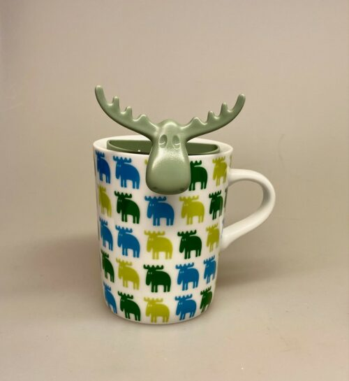 Tesi - Te si til krus - Elg Grøn, eucalyptus, eukalyptus, grøn, tesi, te, tedrikker, esker te, gave, gaveide, grågrøn, gavekurv, special, personlig, gave, kop, krus, løs te, tebrygning, urtete, tekop, tekrus, hygge, varm kop te, biti, ribe, elg, elge, elgsdyr, elsdyr, sverige