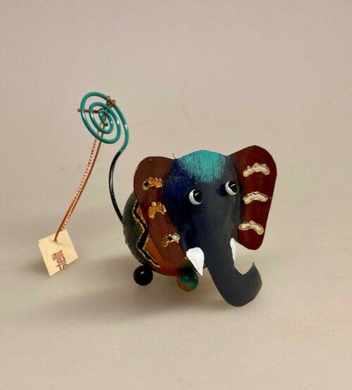 Memo holder metal - Blå Elefant, elefant, elefantfigur, metaldyr, metalelefant, memo, memoholder, memoklemme, memofigur, foto, fotoramme, fotoholder, fotoklemme, safari, savannen, afrika, dyr, vilde, de fem store, storvildtsjæger, pengegave, gavekort, penge i gave, gaveide, sjov, fin, speciel, festlig, elefantfigur, biti, ribe