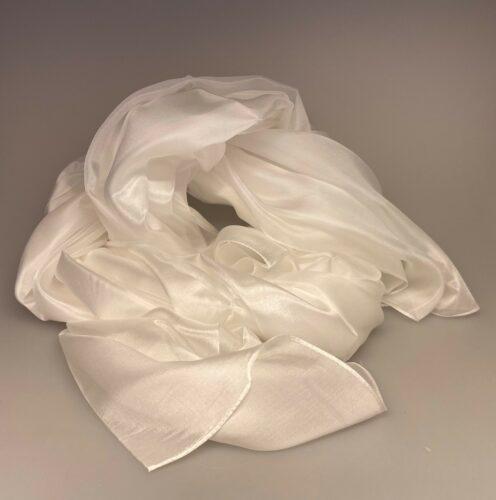Silketørklæde Pongé 1410 XL - Hvidt, konfirmation, konfirmand, bryllup, brud, brrudetilbehør, silke, ren, ægte, 100%, hvidt, hvid, stola, bolero, fest, over skuldrene, stola, sjal, silketørklæde, stort, let, fnuglet, tyndt, eksklusivt, flot, biti, ribe