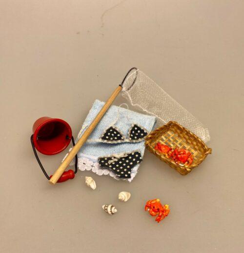 Miniature Spand rød, spand, metalspand, fisketur, på stranden, legetøj, rengøring, miniaturer, dukkehuset, sangskjuler, 1:12, biti, ribe