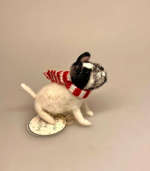 Bulldog med halstørklæde håndlavet i uld filt, bulldogge, bulldog, bull terrier, fransk, hund filtfigur, filthund, hundefigur, gave, gaveide, hundeejer, hundelufter, hundepasser, julepynt, julefigur, til, juletræet, juletræspynt, hund, ophæng, uld, biti, ribe, ting, med , hunde,